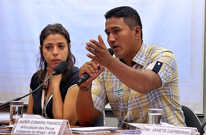 Audiência pública sobre o leilão de blocos de petróleo e gás sobrepostos a terras indígenas e unidades de conservação. Representante da Articulação dos Povos Indígenas do Brasil (APIB), Jader Comapa Franco