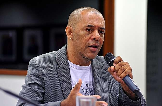 Audiência pública sobre as diretrizes de implementação do Plano Juventude Viva, Plano de Prevenção à Violência contra a Juventude Negra. Rapper e escritor, Genival Oliveira Gonçalves