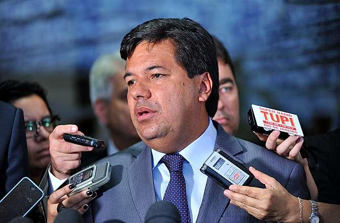 Dep. Mendonça Filho (PE), novo líder do Democratas (DEM), fala sobre a situação de Ramona Matos Rodriguez, médica cubana que esta abrigada na sala da liderança do partido, após fugir de Pacajá, no Pará, onde trabalhava no programa Mais Médicos desde outubro