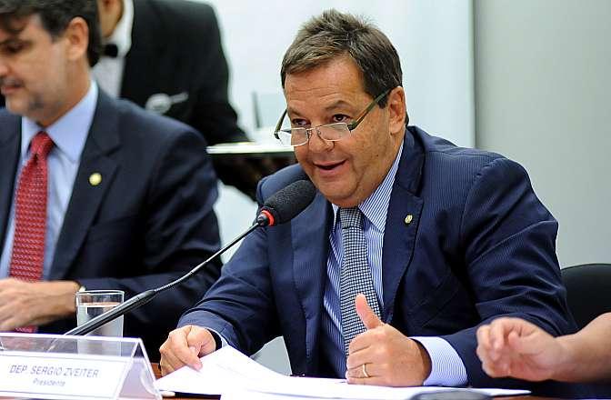 Reunião para discussão e votação do parecer do relator, dep. Raul Henry (PMDB-PE). Dep. Sérgio Zveiter (PSD-RJ)