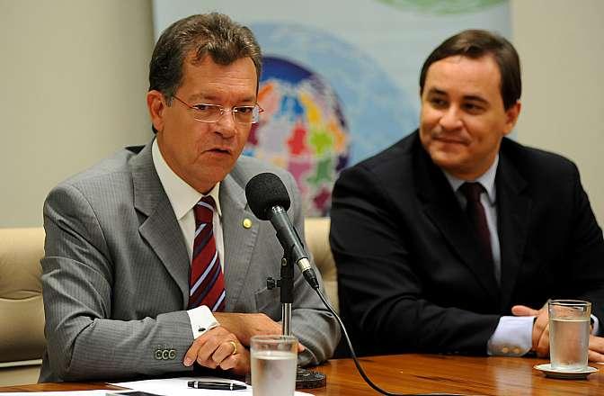 Reunião de trabalho para discutir os trabalhos da frente. Dep. Laercio Oliveira (SDD-SE)