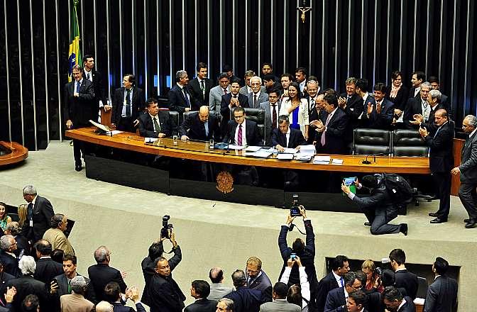 Deputada opositora venezuelana, María Corina Machado visita o plenário da Câmara