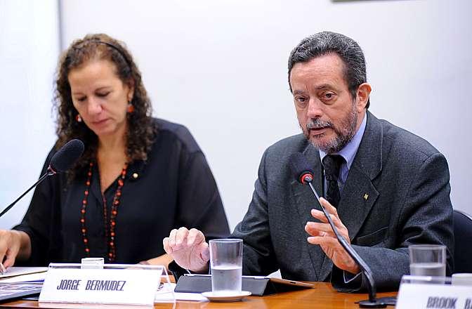 Audiência Pública - Recomendações para assegurar acesso a medicamentos a custos compatíveis como medida integral para saúde como direito humano. (REQ 507/14, Jandira Feghali) - vice-presidente da Fundação Oswaldo Cruz (FIOCRUZ), Jorge Bermudez