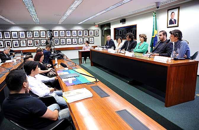 Audiência pública sobre as manifestações e atos de violência homofóbica ocorridos no Distrito Federal recentemente