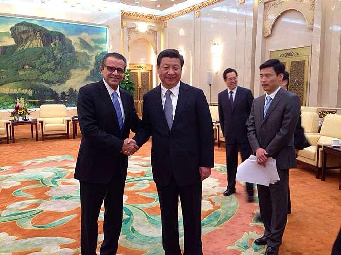 Presidente da Câmara, Henrique Eduardo Alves, e o presidente da China, Xin Jinping.