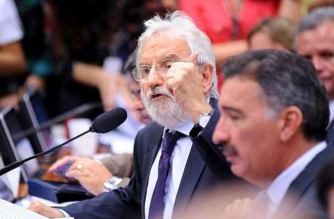Discussão e Votação do Parecer do Relator, deputado Angelo Vanhoni (PT-PR). Dep. Ivan Valente (PSOL-SP)