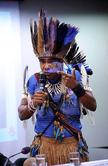 Audiência pública em conjunto com a Comissão de Direitos Humanos e Legislação Participativa do Senado para discutir os conflitos no campo e demarcações de terras indígenas. Cacíque Babau Tupinambá