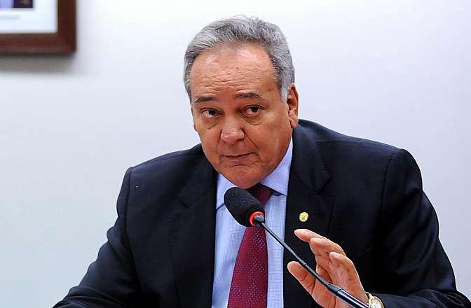 Reunião para discussão e votação do parecer do relator, dep. Edio Lopes (PMDB-RR), à PEC 358-A/2013. Dep. William Dib (PSDB-SP)