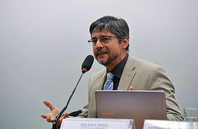 Audiência Pública Tema: O tema da contaminação por chumbo e outros metais pesados na região do Vale do Ribeira, de São Paulo e Paraná. Procurador da República no Distrito Federal, Peterson de Paula Pereira