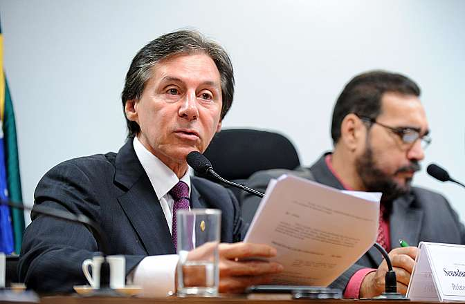 """Apreciação do relatório da Comissão Mista sobre a MP 634/13, que """"Prorroga o prazo para a destinação de recursos aos Fundos Fiscais de Investimentos, altera a legislação tributária federal, e dá outras providências"""". Relator da MP, sen. Eunício Oliveira (PMDB-CE)"""
