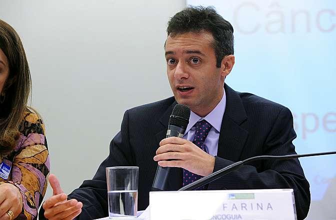 Audiência Pública para discutir os aspectos regulatórios, sobretudo as exigências da Agência Nacional de Vigilância Sanitária (ANVISA). Representante do Instituto Oncoguia, Tiago Farina Matos