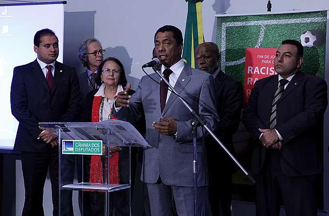 """Lançamento da campanha """"Fim de jogo para o racismo"""", com o objetivo de combater as práticas de racismo que atualmente tem marcado as partidas de futebol, dentro e fora dos estádios"""