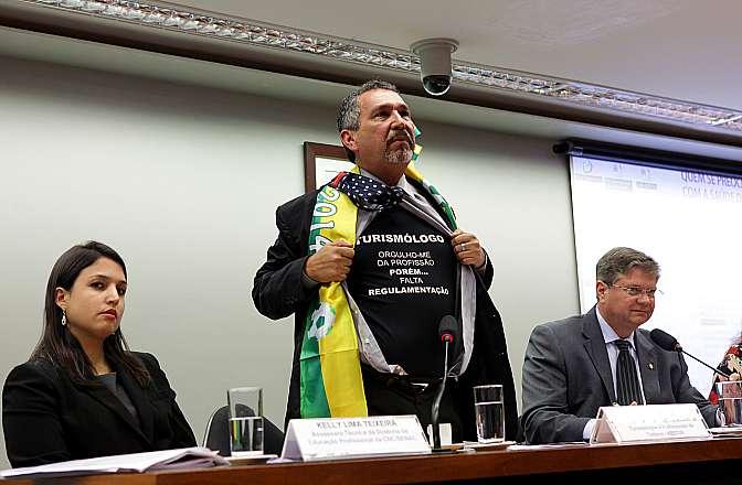 Mesa redonda sobre a importância do trabalho do Turismólogo para o desenvolvimento do turismo no Brasil. Presidente da Associação Brasileira de Turismólogos e Profissionais do Turismo (ABBTUR), Elzário Pereira Júnior