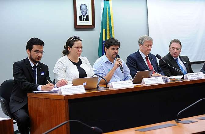 Audiência Pública  para discutir sobre o turismo praticado nos parques nacionais e os seus principais problemas