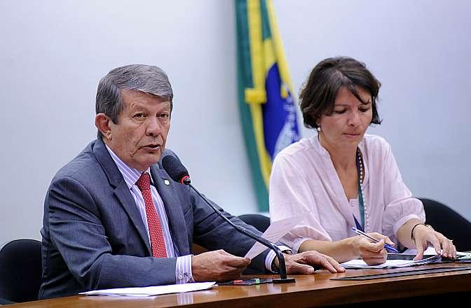 Reunião ordinária. Presidente da CMO, dep. Devanir Ribeiro (PT-SP)