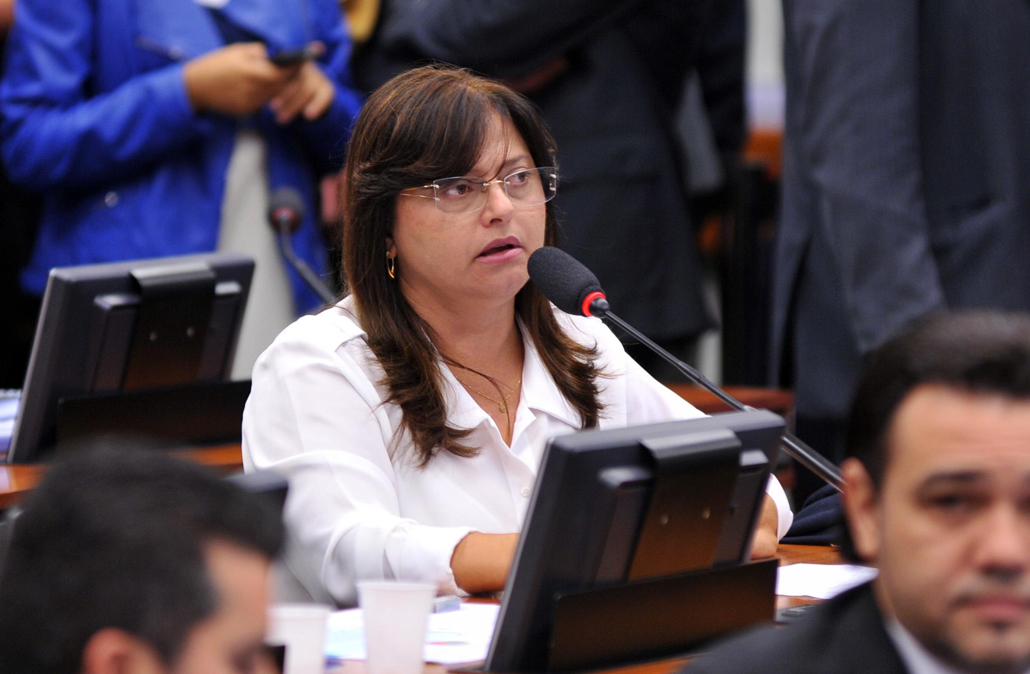 Deputada Alice Portugal (PCdoB-BA)