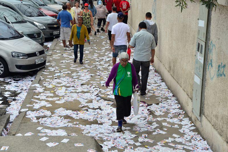 Eleições 2014/ Ruas sujas com santinhos