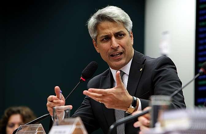 Reunião para discussão e votação do parecer do relator, dep. Alessandro Molon (PT-RJ)