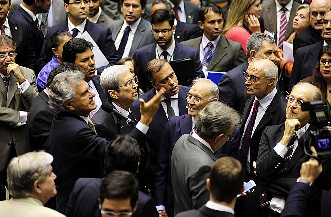 Sessão destinada à leitura de expedientes e apreciação dos Vetos Presidenciais