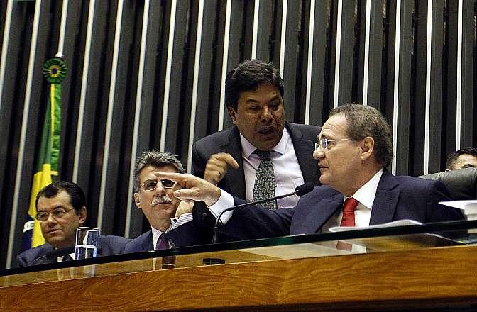 Reunião para análise do projeto que muda o cálculo do superavit primário, desobrigando o governo de cumprir a atual meta fiscal (PLN 36/14). Dep. Mendonça Filho (DEM-PB)