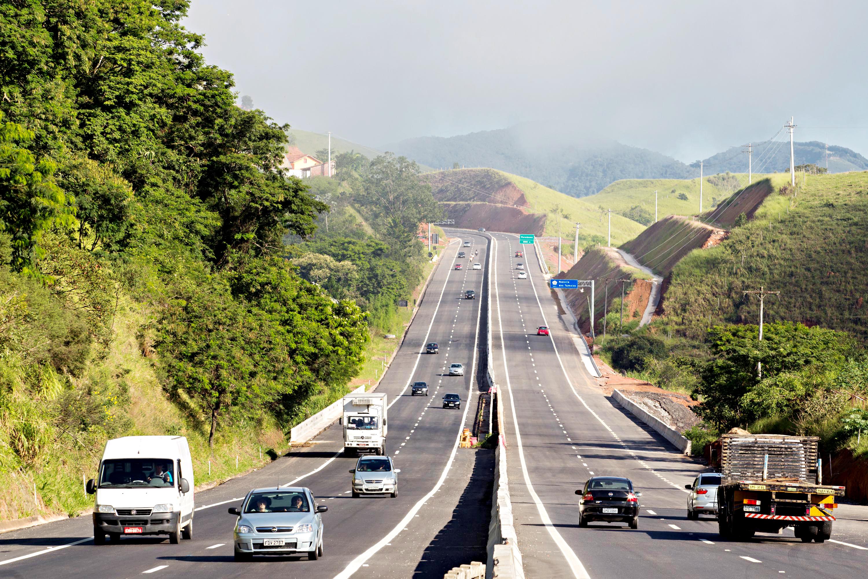 Transporte - Estradas e ruas - Rodovia dos Tamoios