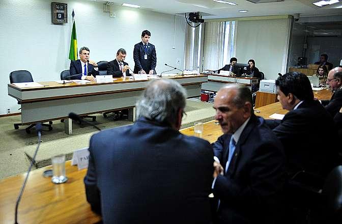 Pedido de vista adia votação da MP de isenção tributária; 32 emendas foram acatadas