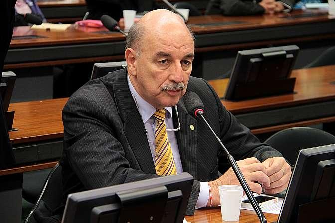 Reunião Ordinária para discussão e votação do parecer do relator, dep. João Ananias. Dep. Osmar Terra (PMDB-RS)
