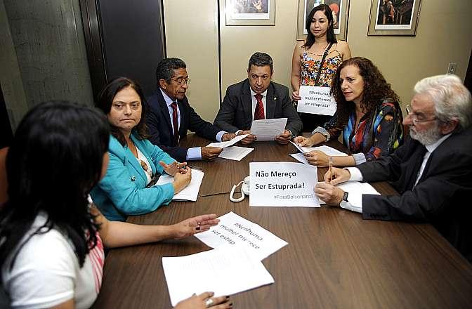 Líderes partidários e representantes de sociedade civil apresentam representação contra o dep. Jair Bolsonaro (PP-RJ)