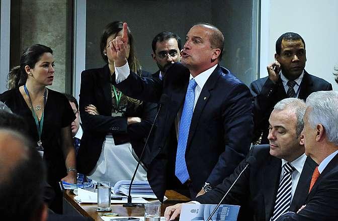 Votação do relatório final do deputado Marco Maia (PT-RS), que indicia 52 pessoas pelos crimes de participação em organização criminosa, lavagem de dinheiro e corrupção passiva. Dep. Onyx Lorenzoni (DEM-RS)