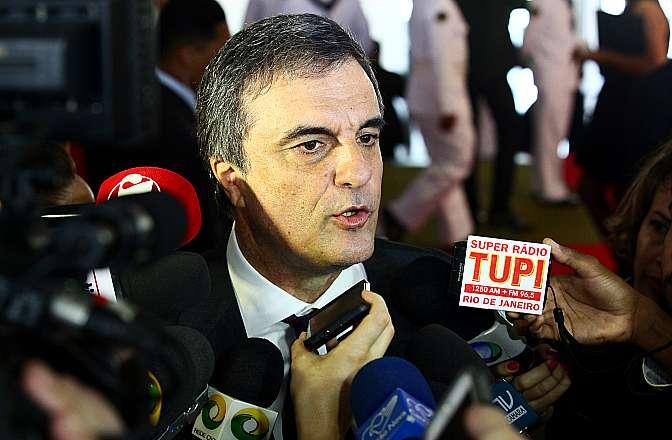 Ministro da Justiça, José Eduardo Cardozo concede entrevista