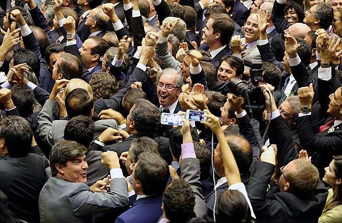 Deputado Eduardo Cunha (PMDB-RJ) comemora vitória como presidente eleito da Câmara dos Deputados