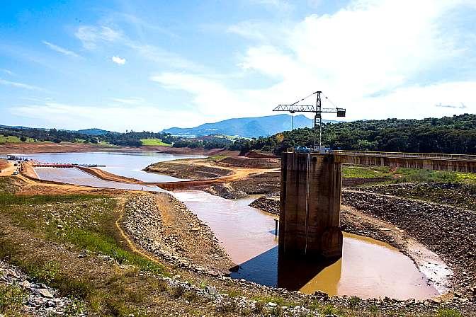 Meio Ambiente - Seca - seca volume morto sistema Cantareira represa racionamento