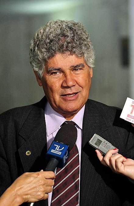 Líder do PSOL na Câmara, dep. Chico Alencar (RJ) concede entrevista