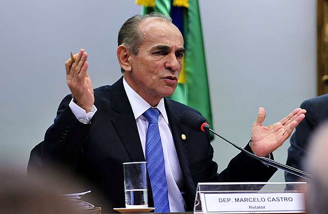 Comissão da reforma política analisa sistemas eleitorais de outros países. Relator da Comissão, dep. Marcelo Castro (PMDB-PI)