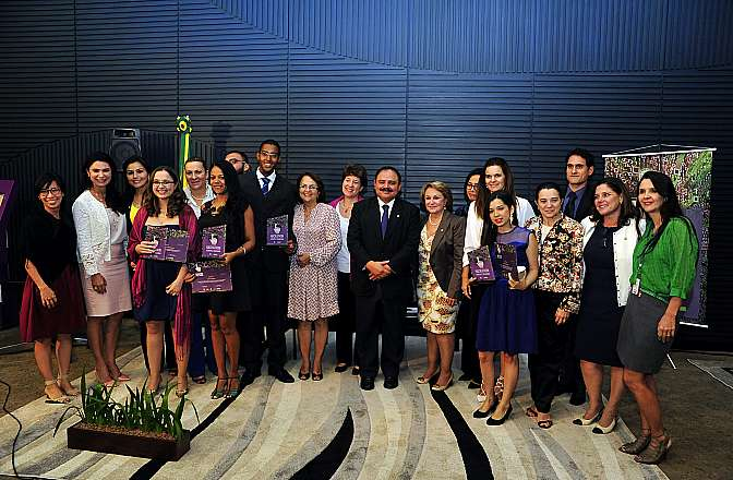 Cerimônia de premiação dos vencedores do concurso Lei Maria da Penha