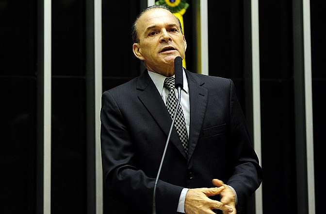 Discussão do projeto de lei da política permanente de reajuste do salário mínimo (PL 3771/12 e apensados). Dep. Jorge Boeira (PP-SC)