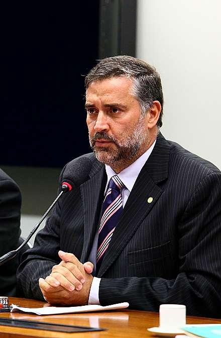 Reunião para eleição do presidente e do vice-presidente da Comissão. Presidente eleito, dep. Paulo Pimenta (PT-RS)