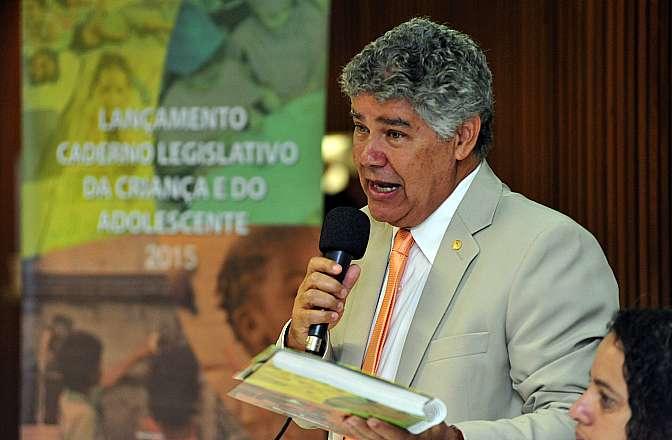 """Apresentação da 2ª edição do """"Caderno Legislativo da Criança e do Adolescente"""". Dep. Chico Alencar (PSOL-RJ)"""