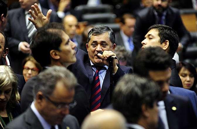 Ordem do dia. Líder do Governo na câmara, dep. José Guimarães (PT-CE)