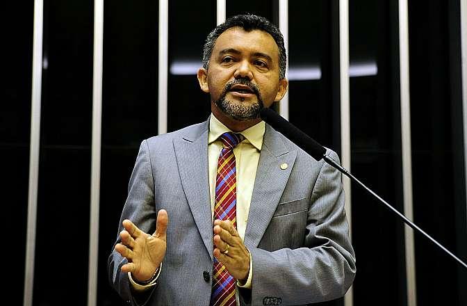 Sessão destinada a discutir a previdência social no Brasil. Dep. Cleber Verde (PRB-MA)