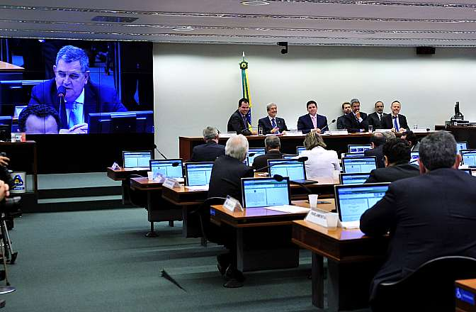 Sessão da CPI na Câmara dos Deputados