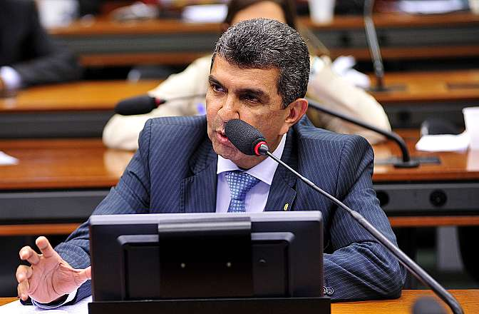 Audiência pública para debater o PL 32/15, sobre a padronização de interface para carregadores de celulares. Dep. Sérgio Vidigal (PDT-ES)