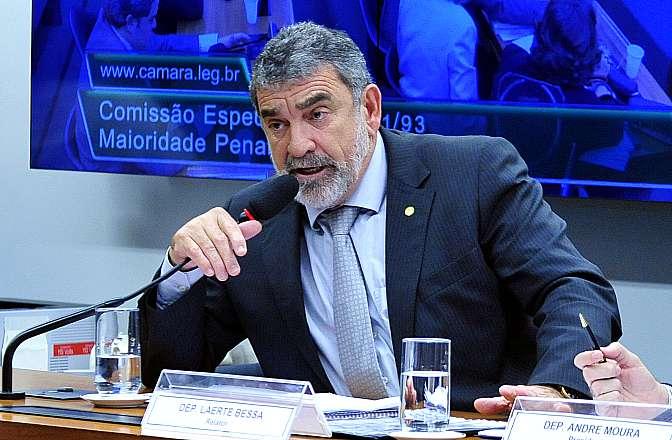 Reunião ordinária para discussão e votação do parecer do relator, dep. Laerte Bessa (PR-DF)