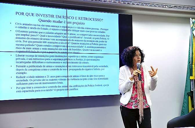 Audiência Pública e Reunião Ordinária. Representante do Comitê Nacional de Vítimas de Violência, Valéria Velasco