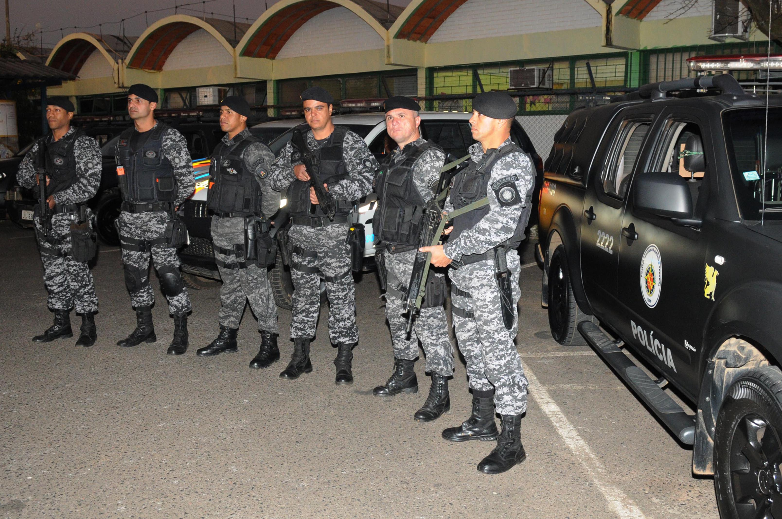 Segurança - policiais - PM polícia militar viatura policial repressivo ostensivo
