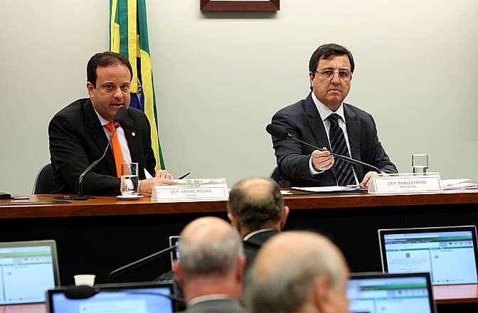 Reunião para apresentação do relatório preliminar do dep. André Moura (PSC-SE), relator da Comissão