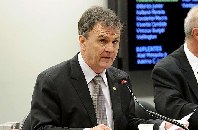 Audiência pública sobre as investigações sobre o caso das contas secretas de pessoas e empresas brasileiras no Banco HSBC da Suíça. Dep. Toninho Wandscheer (PT-PR)