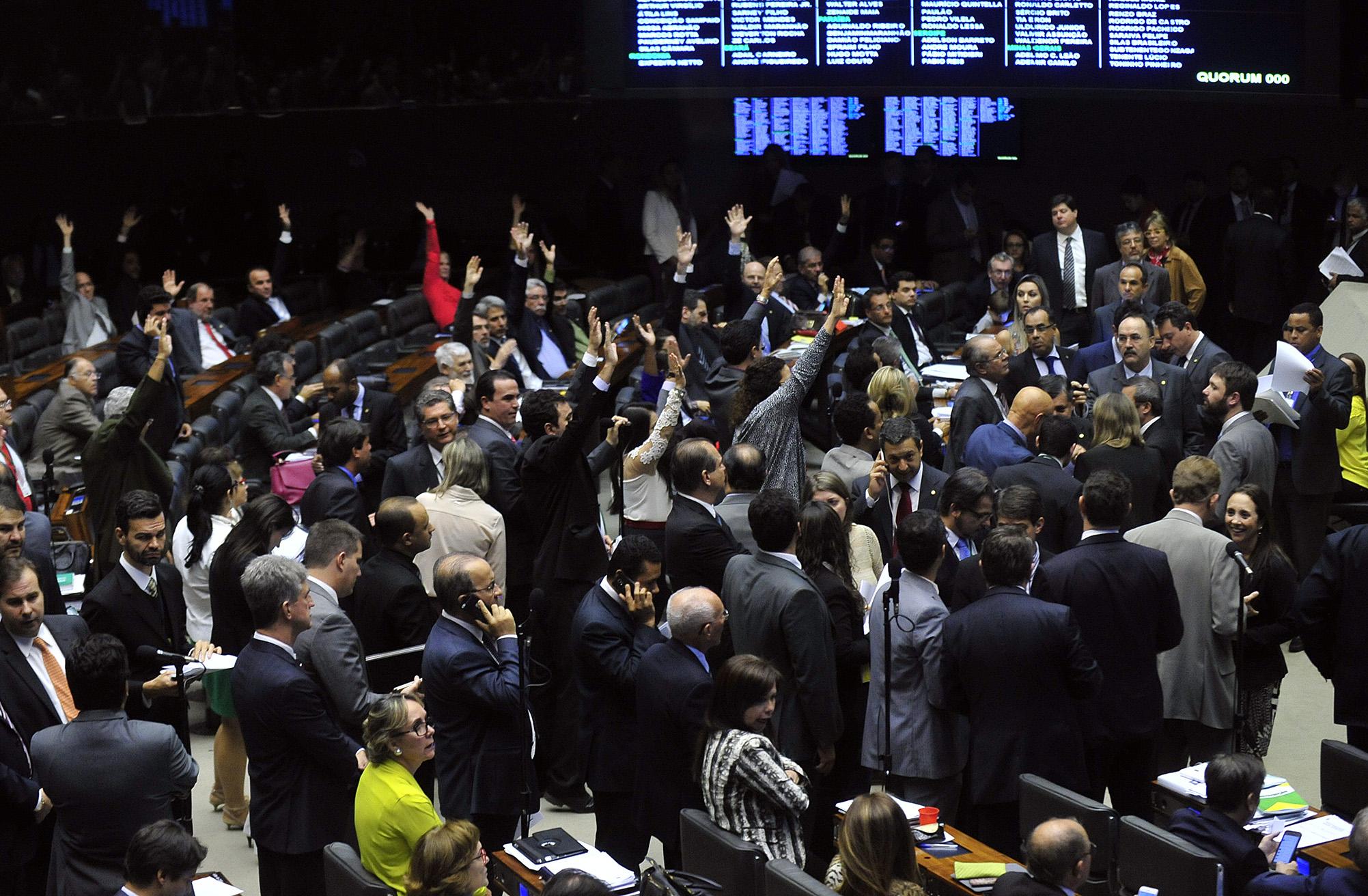 Ordem do Dia da sessão extraordinária destinada a votar os destaques, em segundo turno, da PEC da reforma política (Proposta de Emenda à Constituição 182/07)
