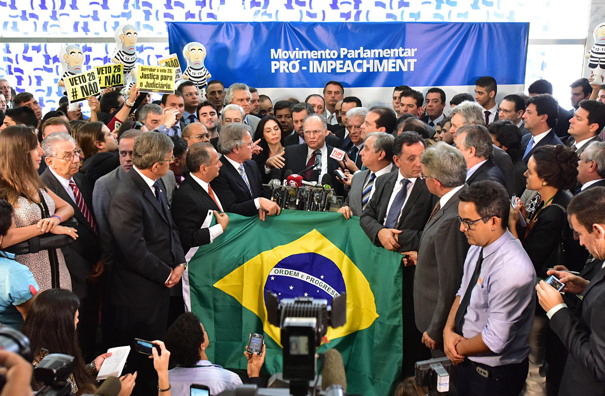 Deputados da oposição lançam ·movimento· pró-impeachment