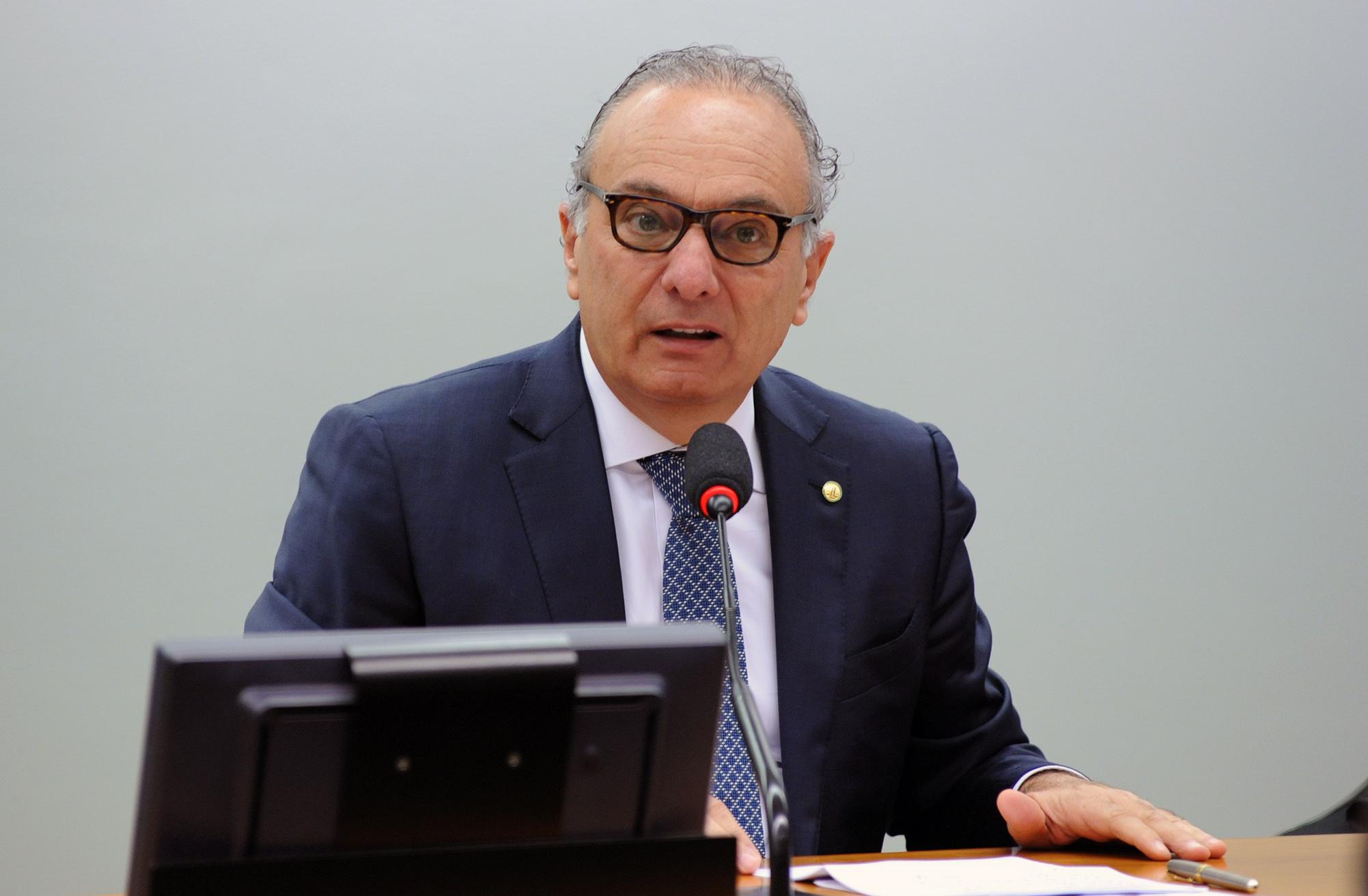 Aposição da fotografia do dep. Ricardo Tripoli na galeria dos ex-presidentes da Comissão